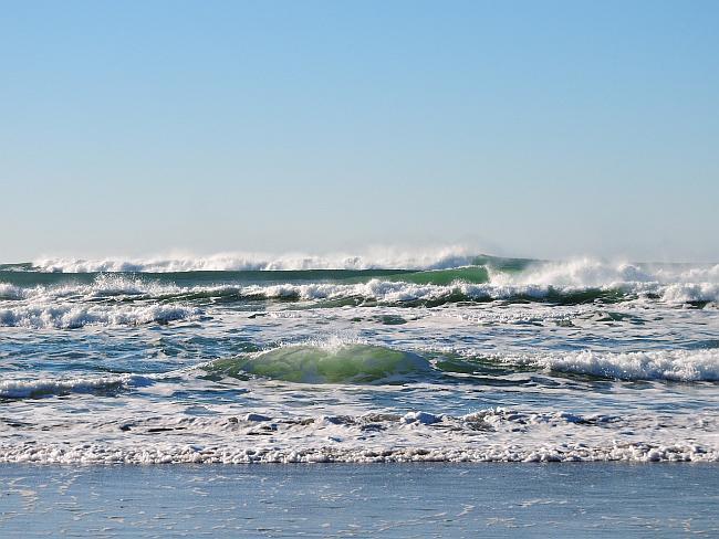 image of an ocean shore line